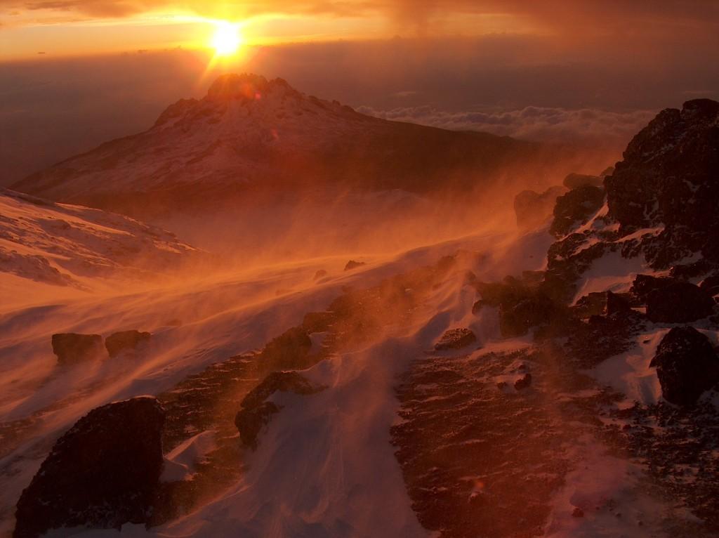 Mt_Climbing_kilimanjaro_sunrise